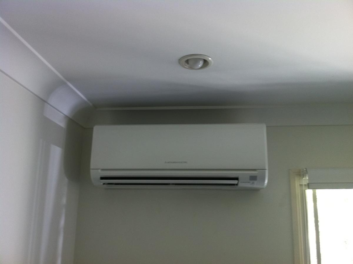 Small Bedroom Air Conditioner Air Conditioning For Established Homes Expert Advice Brisbane Air